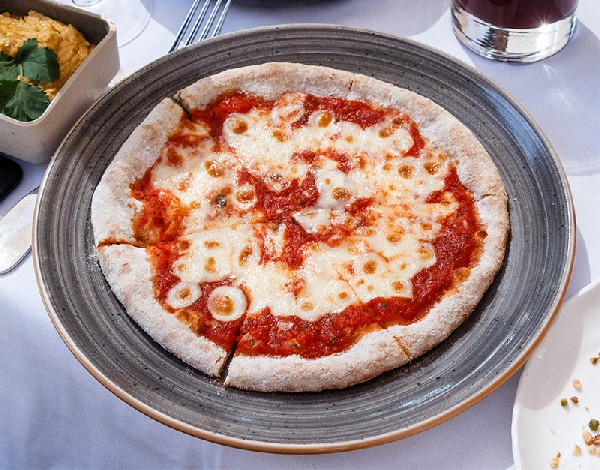 Pizza Margherita du Café la Jatte (92200)